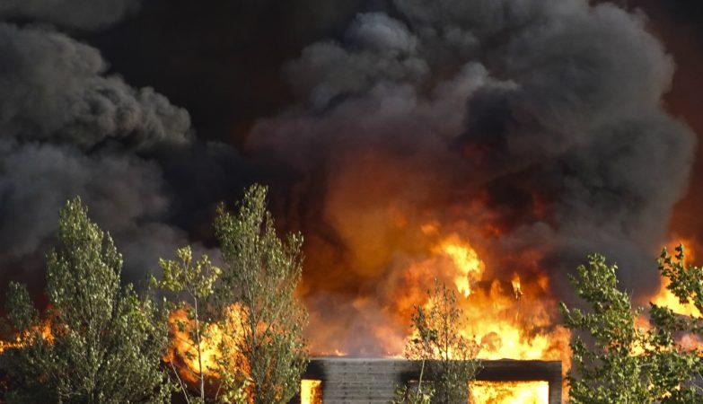 Um incêndio deflagrou no sábado à tarde, 24 setembro, no complexo turístico Zmar, em Odemira (Beja), que obrigou à evacuação do espaço
