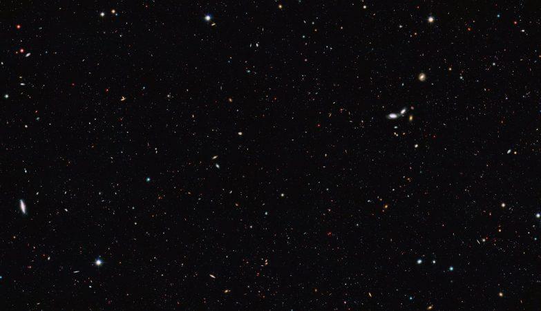 Os astrónomos usaram dados dos observatórios GOODS para recalcular o número total de galáxias do Unievrso