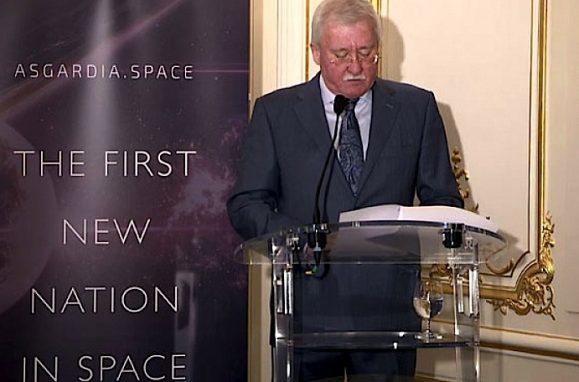 O conceituado cientista e empresário russo Igor Ashurbeyli, fundador do Centro Internacional de Pesquisa Aeroespacial, anuncia a criação de Asgardia, o novo estado-nação no espaço