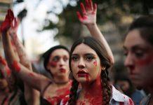 Protesto em Santiago do Chile contra a violência machista