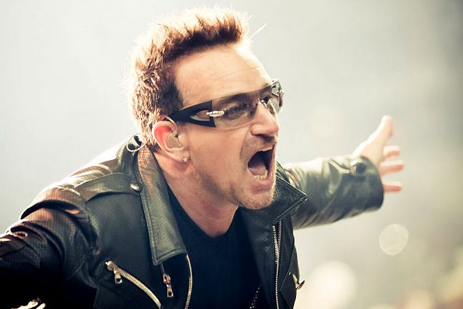 Bono Vox, líder da super-banda U2
