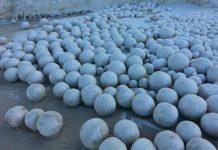bolas de neve dão à costa na Sibéria