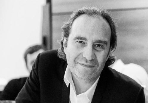 O milionário francês Xavier Niel, fundador da Universidade 42