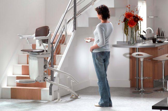 Um elevador de escadas é muitas vezes a solução ideal para reclamar a mobilidade em casa