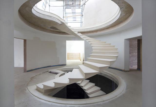 Formby Stair da Webb Yates Engineers / The Stone Masonry Company