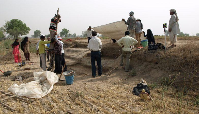 Escavações no sítio arqueológico de Masudpur I, Haryana, India
