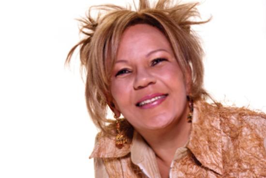 "Loalwa Braz Vieira, do grupo Kaoma, cantora do super hit ""Lambada (Chorando Se Foi)"""