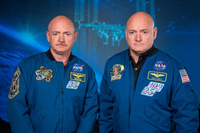 Os astronautas gémeos Mark e Scott Kelly