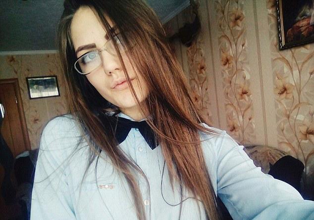 """Yulia Konstantinova, jovem russa de 15 anos que é uma das vítimas do jogo """"Blue Whale"""""""