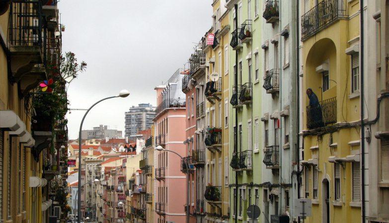 8137cfac870 Arrendar casa de 25 m2 em Lisboa pode custar 2.300 euros - ZAP
