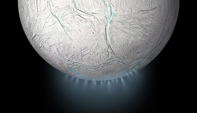 Encélado é o sexto maior satélite natural de Saturno