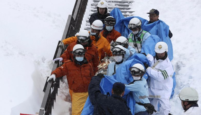 Pelo menos oito adolescentes mortos em avalanche no Japão