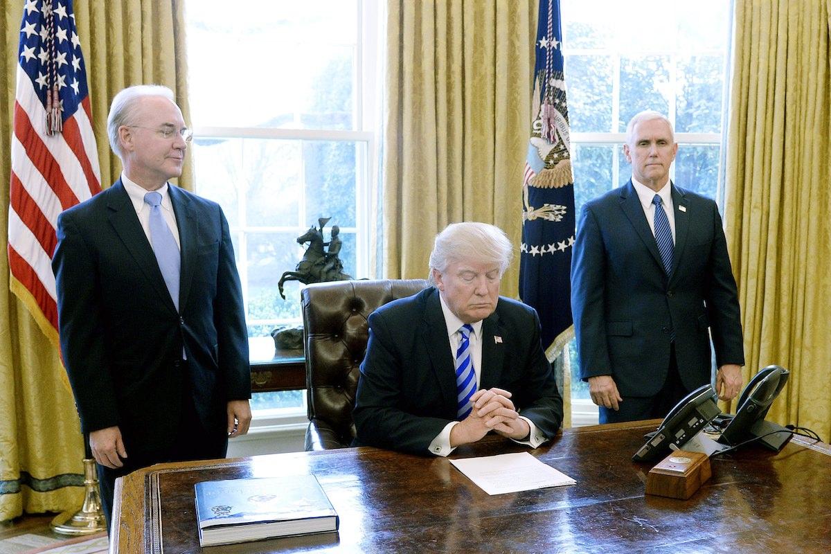 Donald Trump reage à sua primeira derrota política enquanto presidente