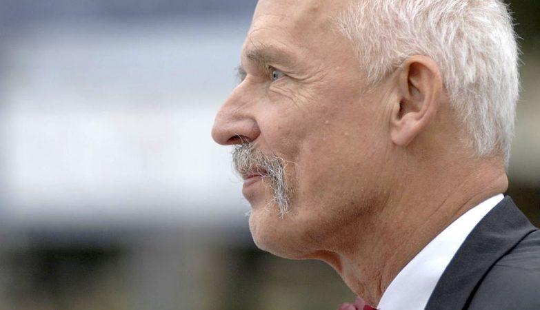 O eurodeputado polaco Janusz Korwin-Mikke