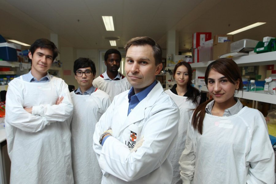 O professor David Sinclair e a sua equipa de investigadores