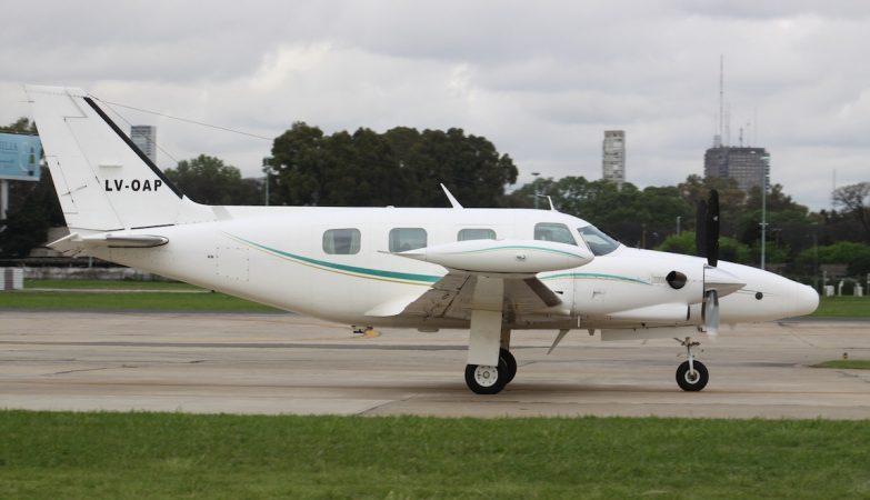 Uma avioneta Piper PA-31T Cheyenne II