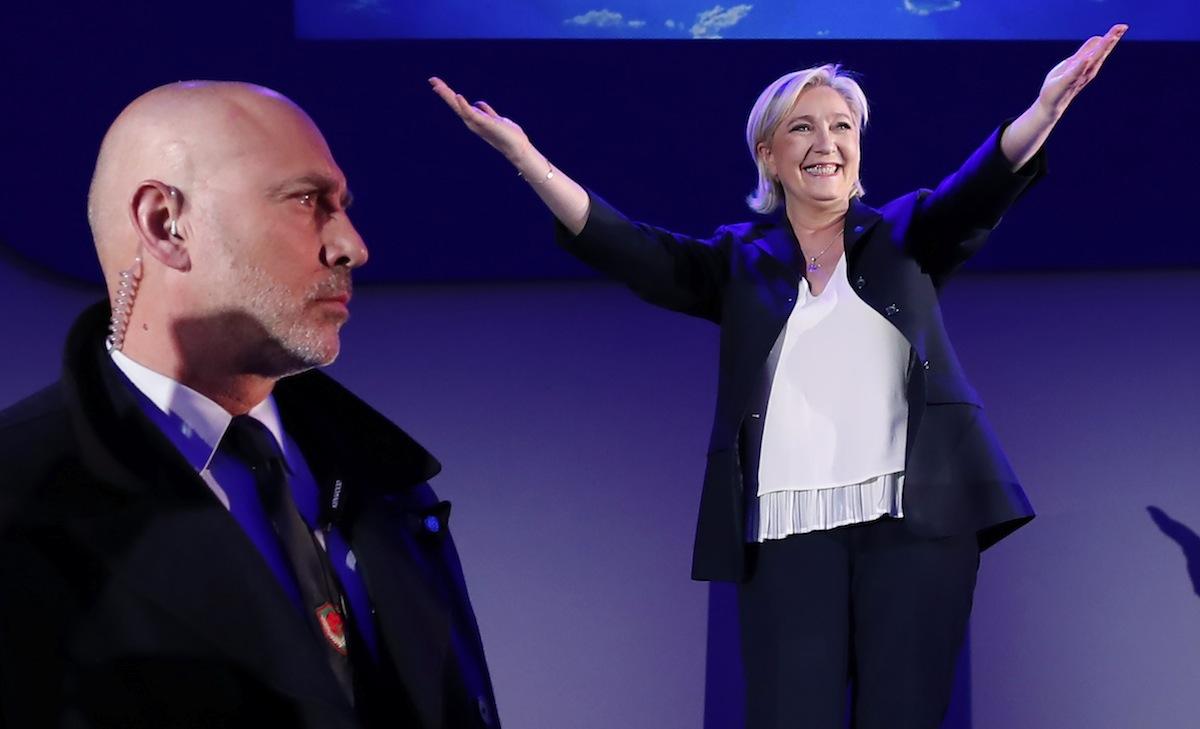 """Marine Le Pen: segundo lugar """"histórico"""""""