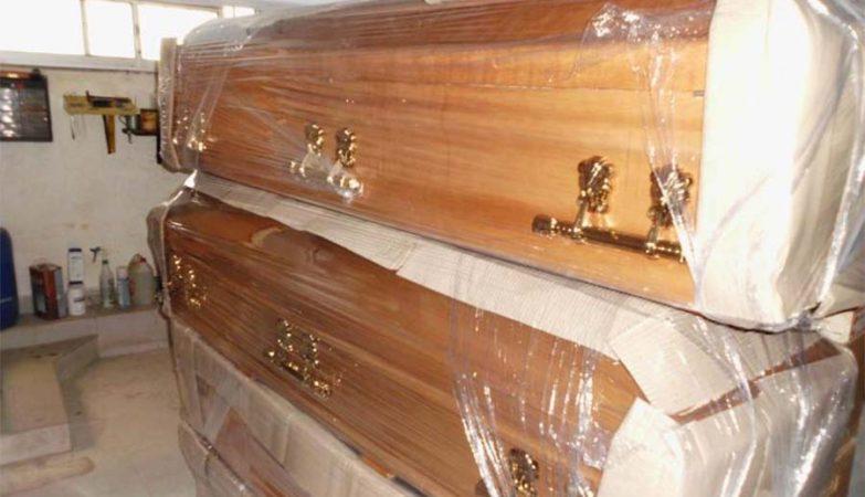 Caixões penhorados pelo Fisco à venda no site das Finanças.
