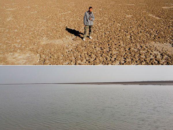 Li Fei, estudante da Universidade Agrícola de Pequim, estuda o lago Har em 2007. Em baixo, o lago no dia 19 de março deste ano.