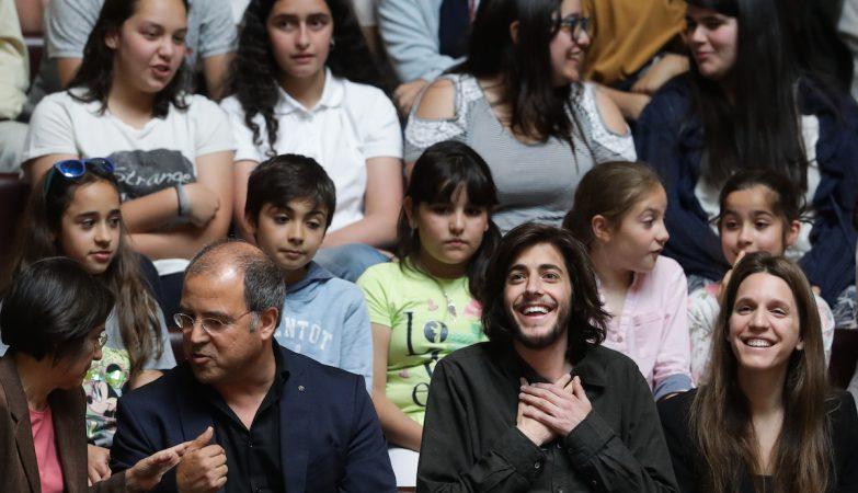 O músico e vencedor do Festival Eurovisão, Salvador Sobral, acompanhado pela sua irmã Luisa Sobral