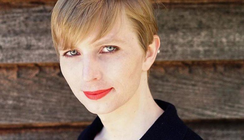 """O novo """"eu"""" de Chelsea Manning, ex-militar responsável por passar documentos ao Wikileaks"""
