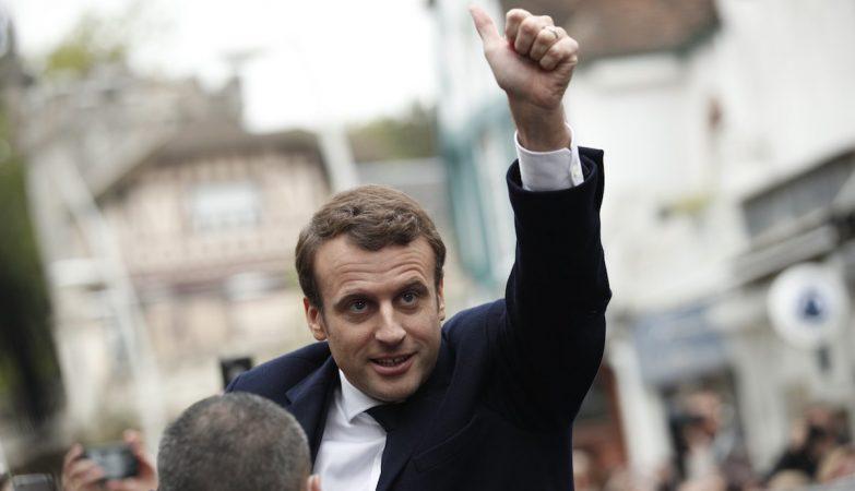 Detido homem que ameaçava matar Presidente francês