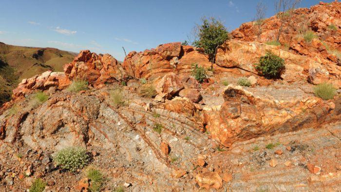 A formação rochosa Dresser, na região de Pilbara, onde foram encontrados os vestígios