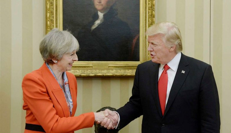 Theresa May com Donald Trump