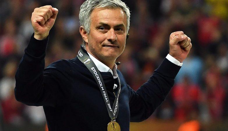 José Mourinho comemora a vitória do Manchester United por 2-0 frente ao Ajax de Amsterdão na final da Liga Europa 16/17