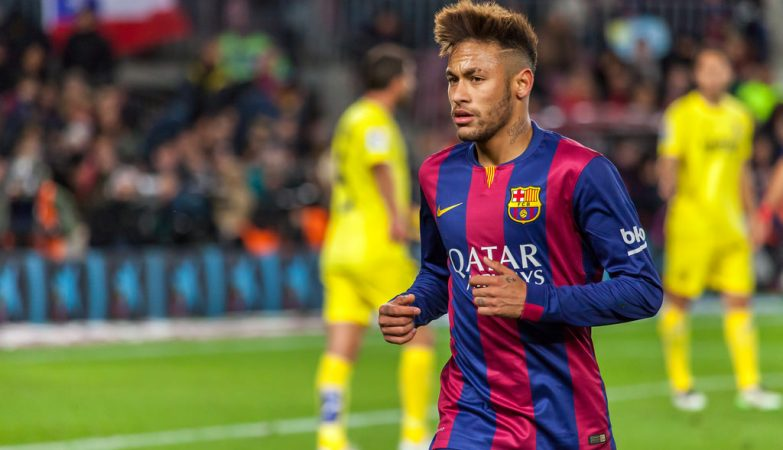 Folga de Neymar em Barcelona faz Messi brincar com Piqué: