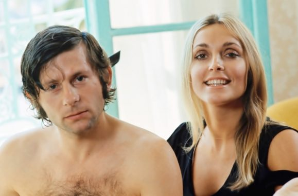 Roman Polanski com a actriz e modelo norte-americana Sharon Tate, com quem casou em 1968. Um ano mais tarde, Sharon foi assassinada pelo famigerado Charles Manson