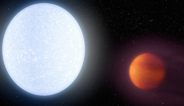 Conceito de artista do sistema KELT-9, com a sua estrela oblíqua super-quente (esq.) e Kelt-9b, o planeta mais quente conhecido no Universo (dir.)