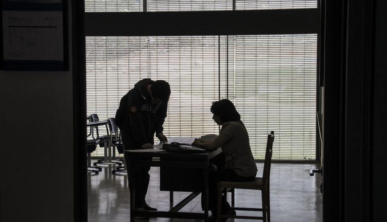Professora é agredida por família de aluno