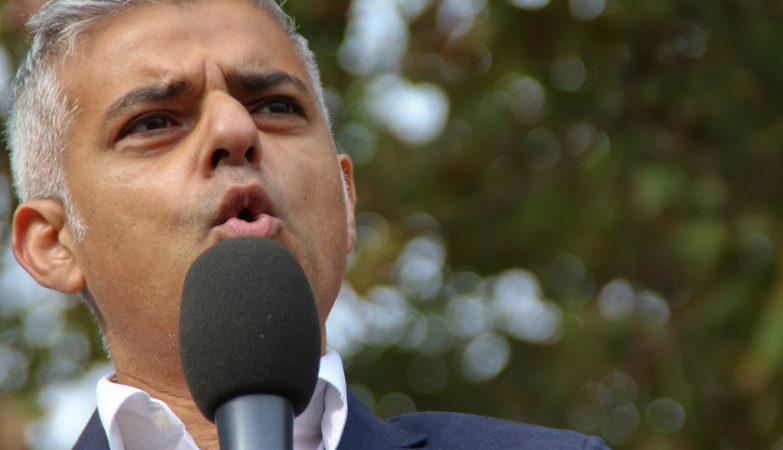 Mayor de Londres pede segundo referendo — Brexit