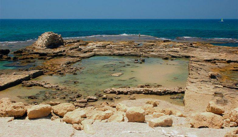 Ruínas de banhos romanos resistiram no tempo graças ao cimento único e altamente resistente.