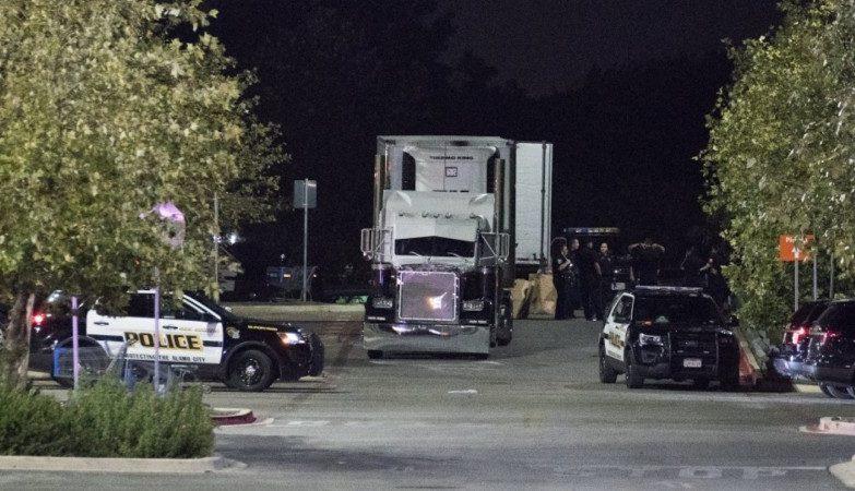 Oito corpos são encontrados em caminhão no Texas — Tráfico humano