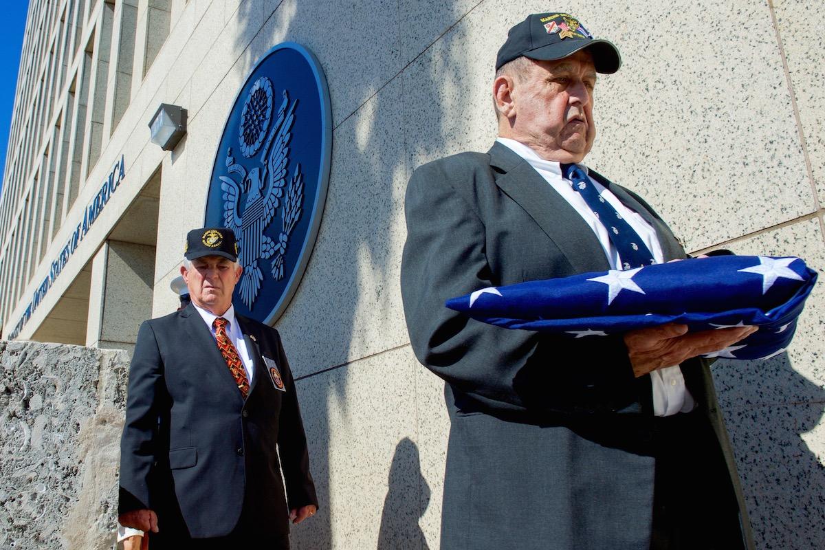 EUA confirmam expulsão de dois diplomatas cubanos