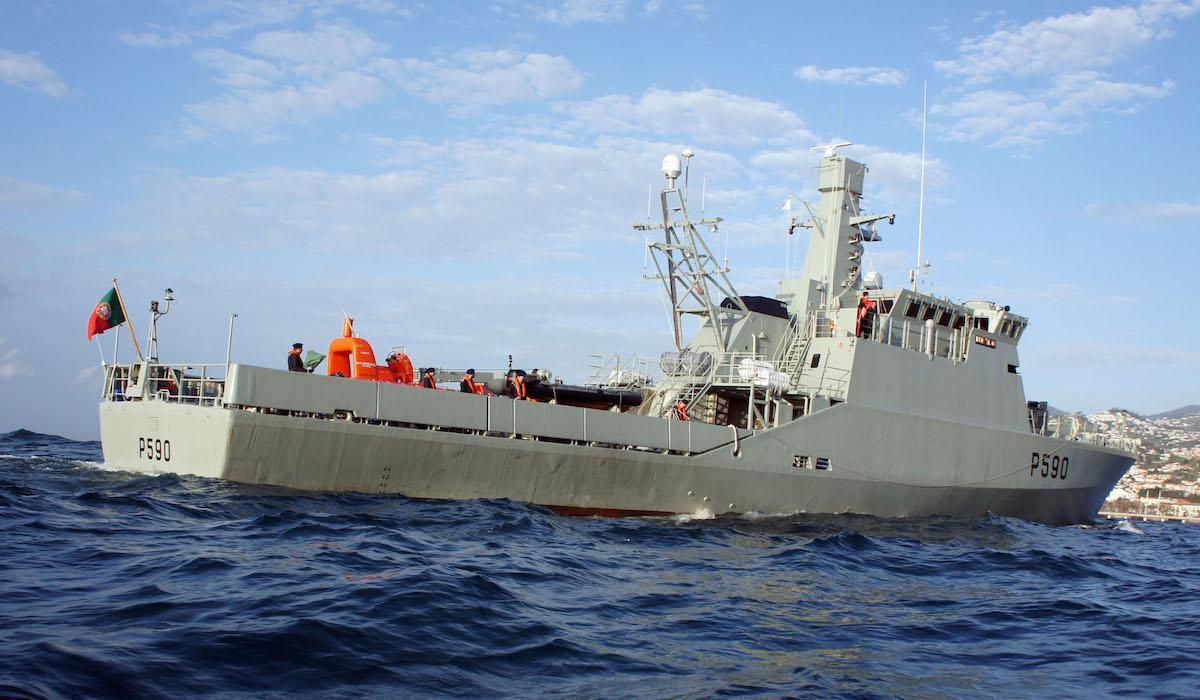0473ff9bdf Marinha procura barco desaparecido. Sete a nove pessoas a bordo