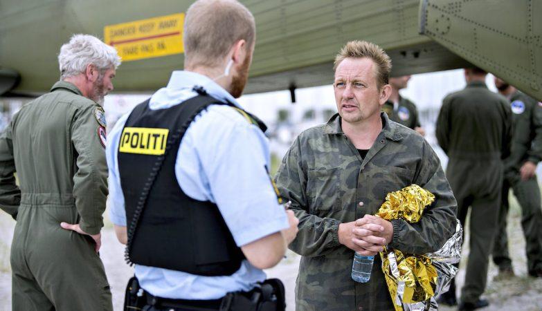 Jornalista desaparece em reportagem num submarino que se afundou