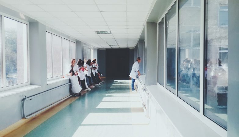 Jovem norte-americano morre depois de lhe serem recusados tratamentos por falta de seguro de saúde