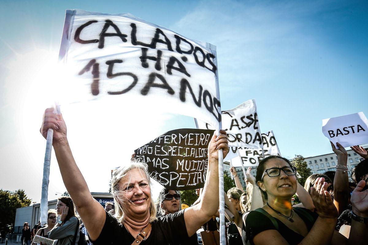 Enfermeiros suspendem greves de outubro