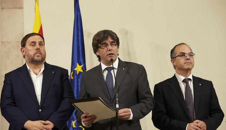 Ministério Público espanhol convoca mais de 700 autarcas da Catalunha para interrogatório