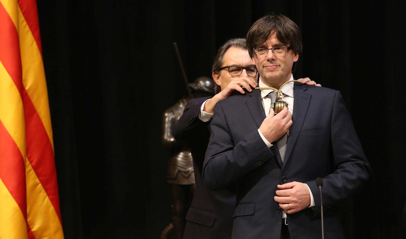 Supremo espanhol suspende ordem europeia de prisão contra Puigdemont
