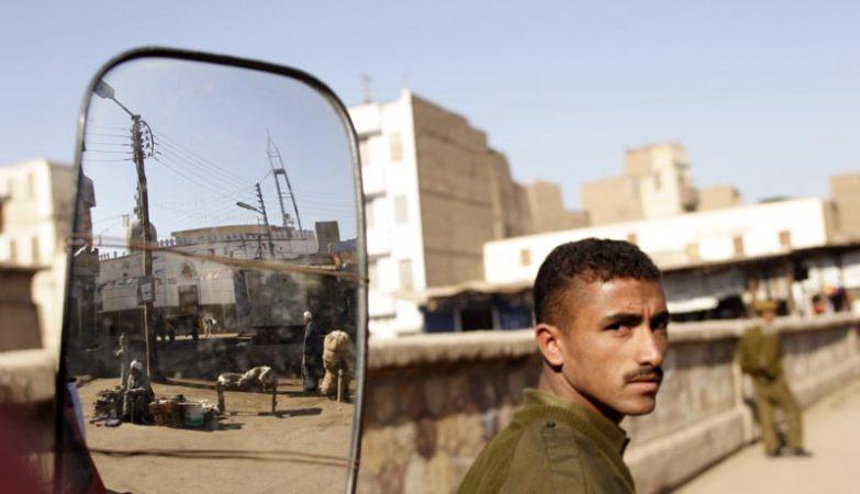 Homem armado mata nove pessoas numa igreja cristã copta — Egipto