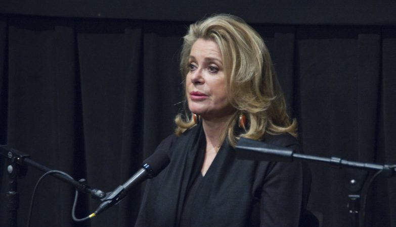 Catherine Deneuve pede desculpa a vítimas de agressão sexual