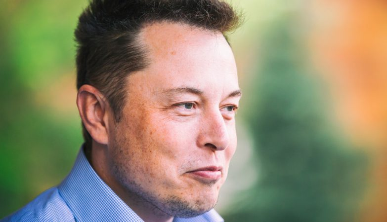 Elon Musk: Sonhador, bilionário, fundador do PayPal, SpaceX, Tesla, Boring Company, HyperLoop, Solar Cities...