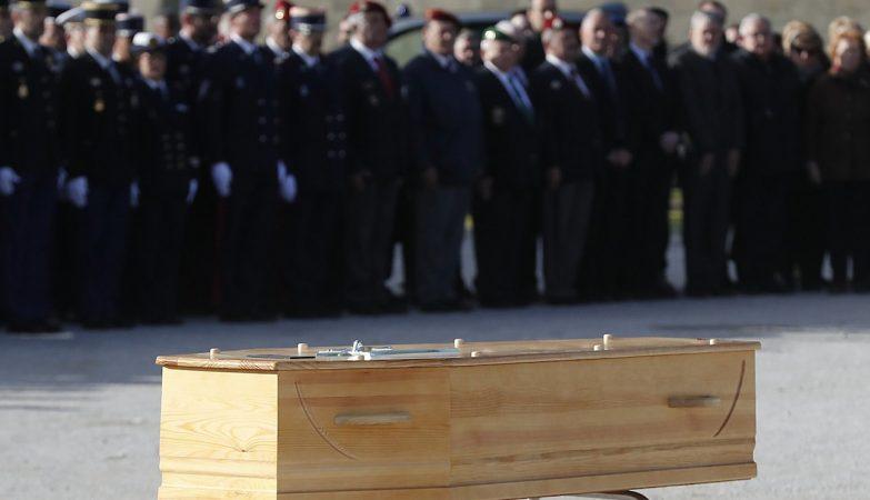 Francesa é condenada por comemorar morte de açougueiro em atentado