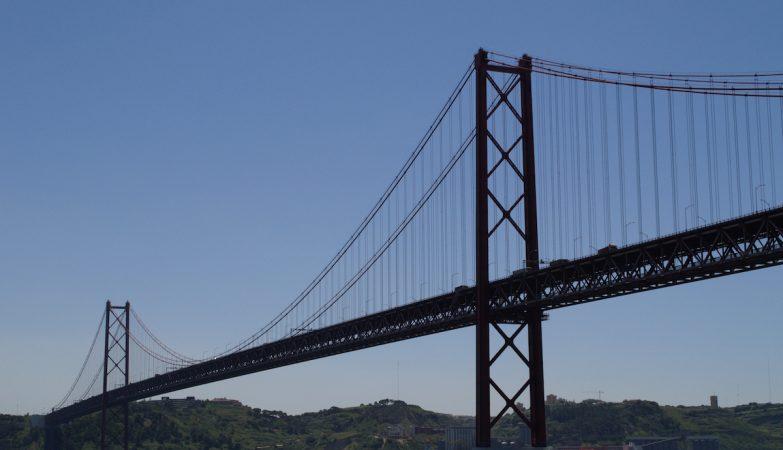 Ponte 25 de Abril necessita de obras urgentes