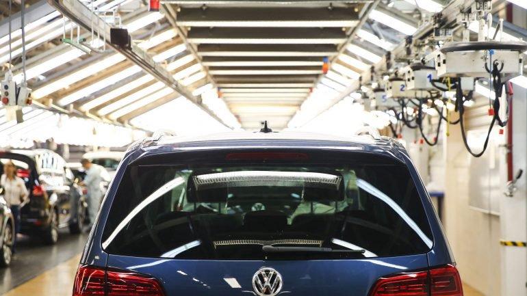 Trabalhadores da Autoeuropa temem perda de centenas de postos de trabalho