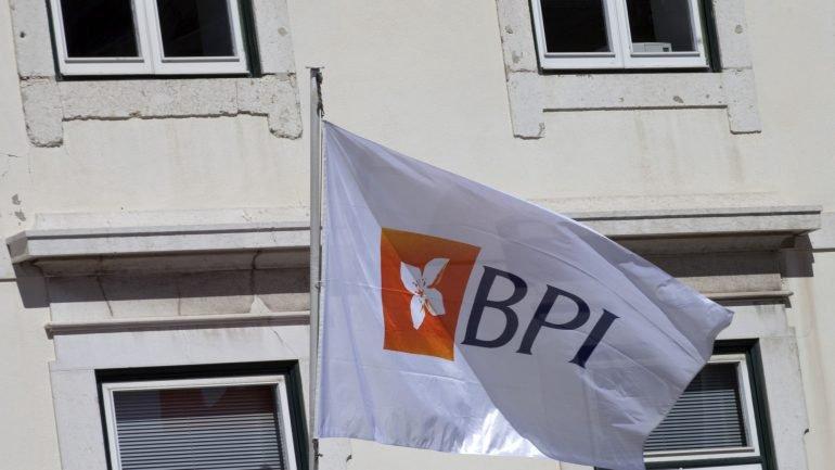Caixabank vai requerer saída do BPI da Bolsa